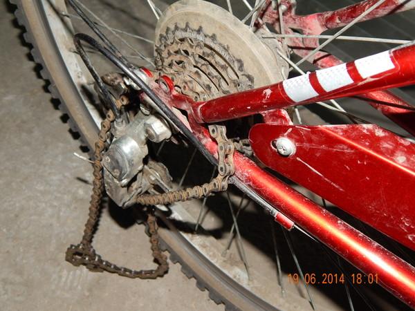 Почему слетает цепь на велосипеде и что делать, если она соскакивает