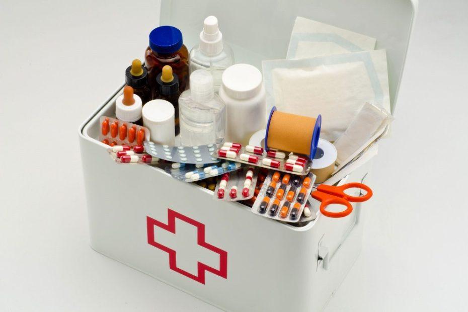 Аптечка туриста — список лекарств в дорогу