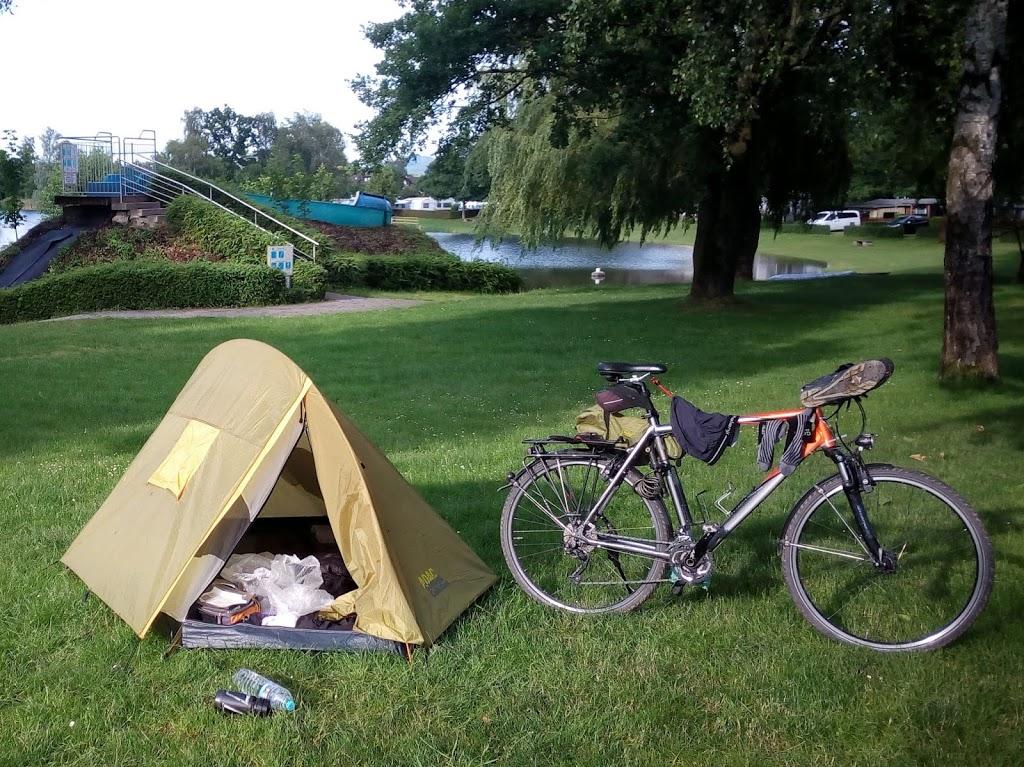 Как выбрать палатку туристическую