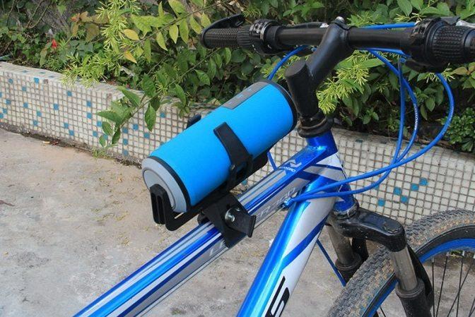 Как прикрепить к велосипеду колонку