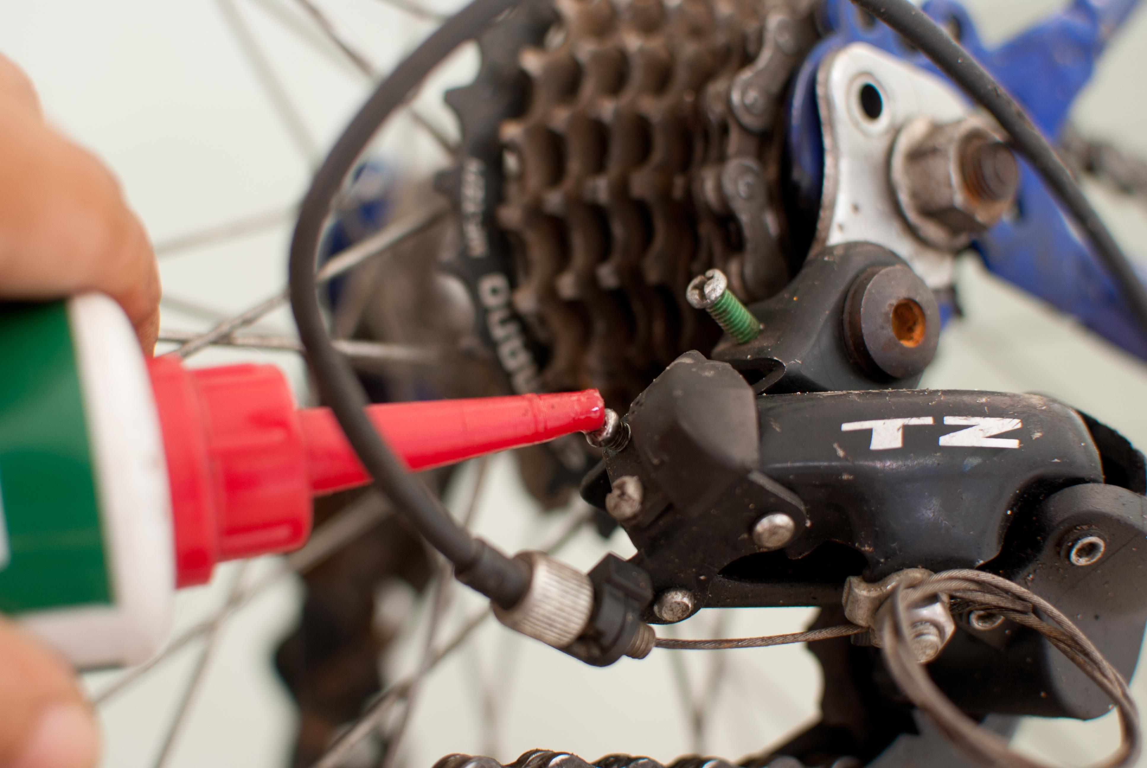 Переключатель скоростей на велосипед: как настроить и правильно переключать