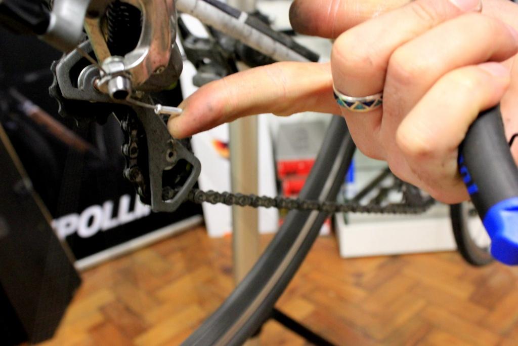 Как заменить тросик на велосипеде