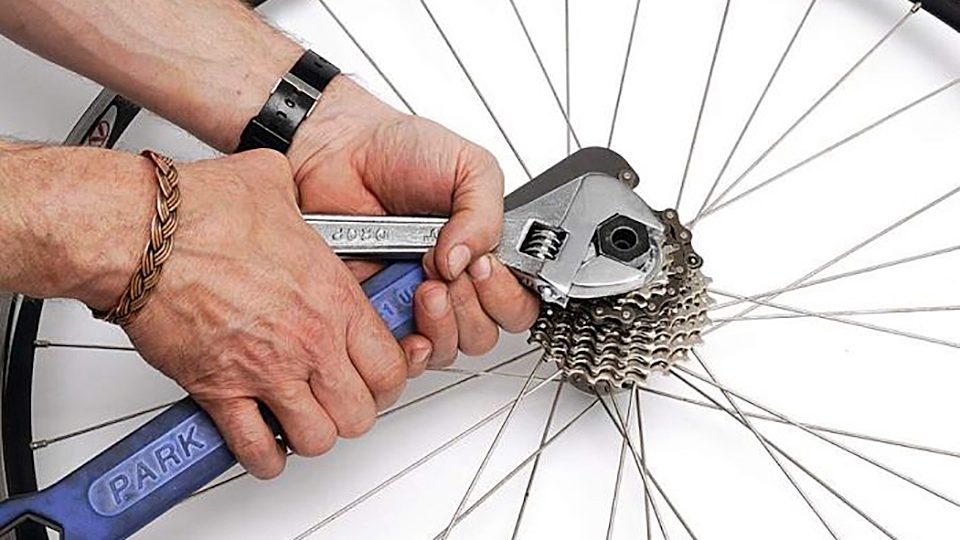 Как снять звездочку с заднего колеса скоростного велосипеда пошагово