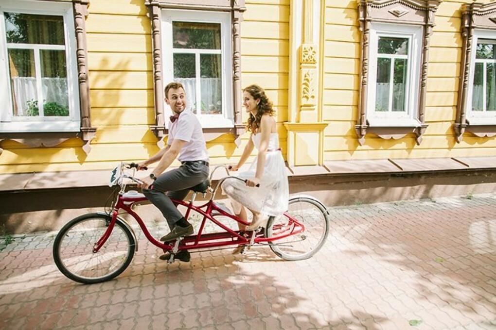 Велосипед тандем или рука об руку по жизни