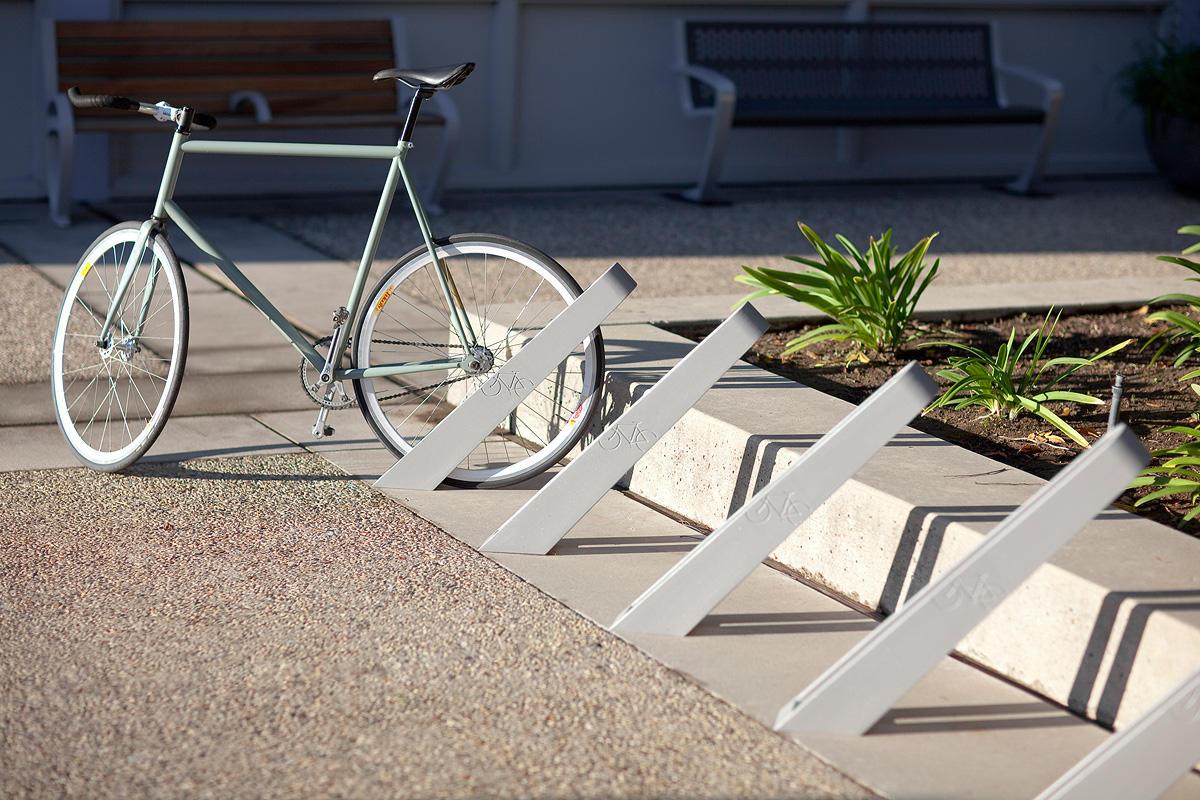 Самодельная парковка для велосипедов. стойка для парковки велосипеда из пвх-труб своими руками