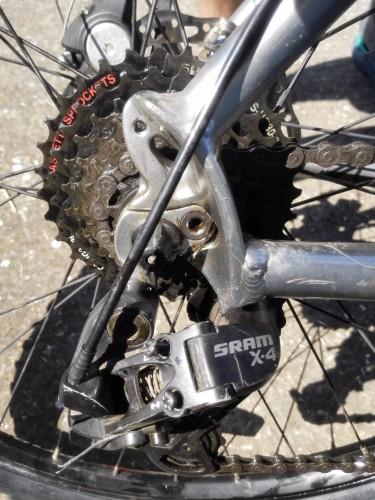 Как установить петушок на велосипед видео