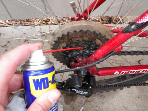 Как и чем лучше смазывать цепь велосипеда?
