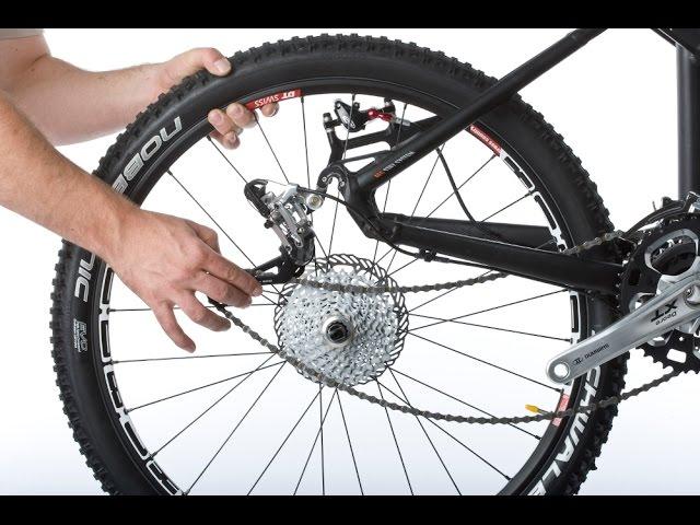 Снимаем заднее колесо на велосипеде со скоростями