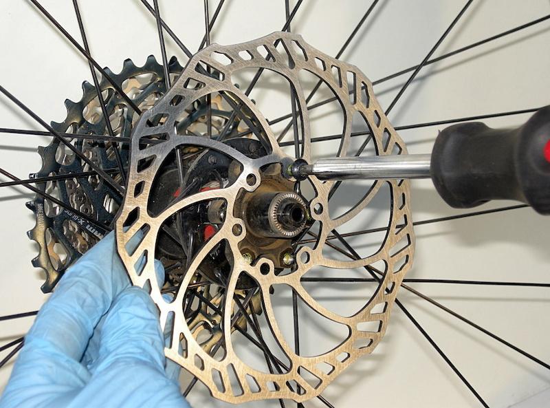 Как избавиться от скрипа велосипедных тормозов