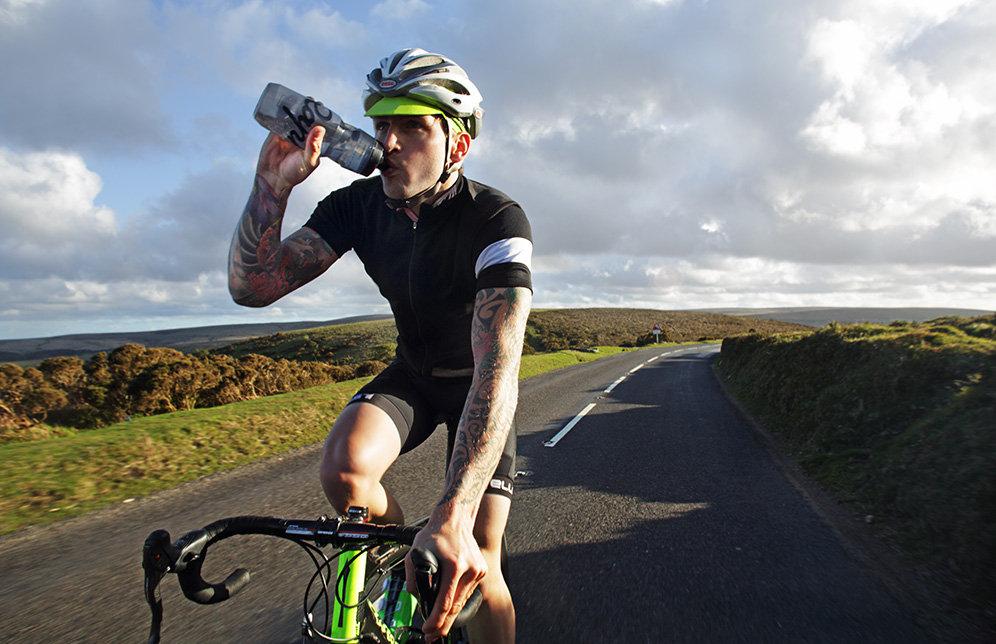 Изотоник: для чего нужен, состав и применение спортивного напитка