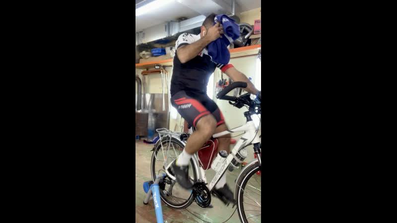 Почему стучат педали на велосипеде?