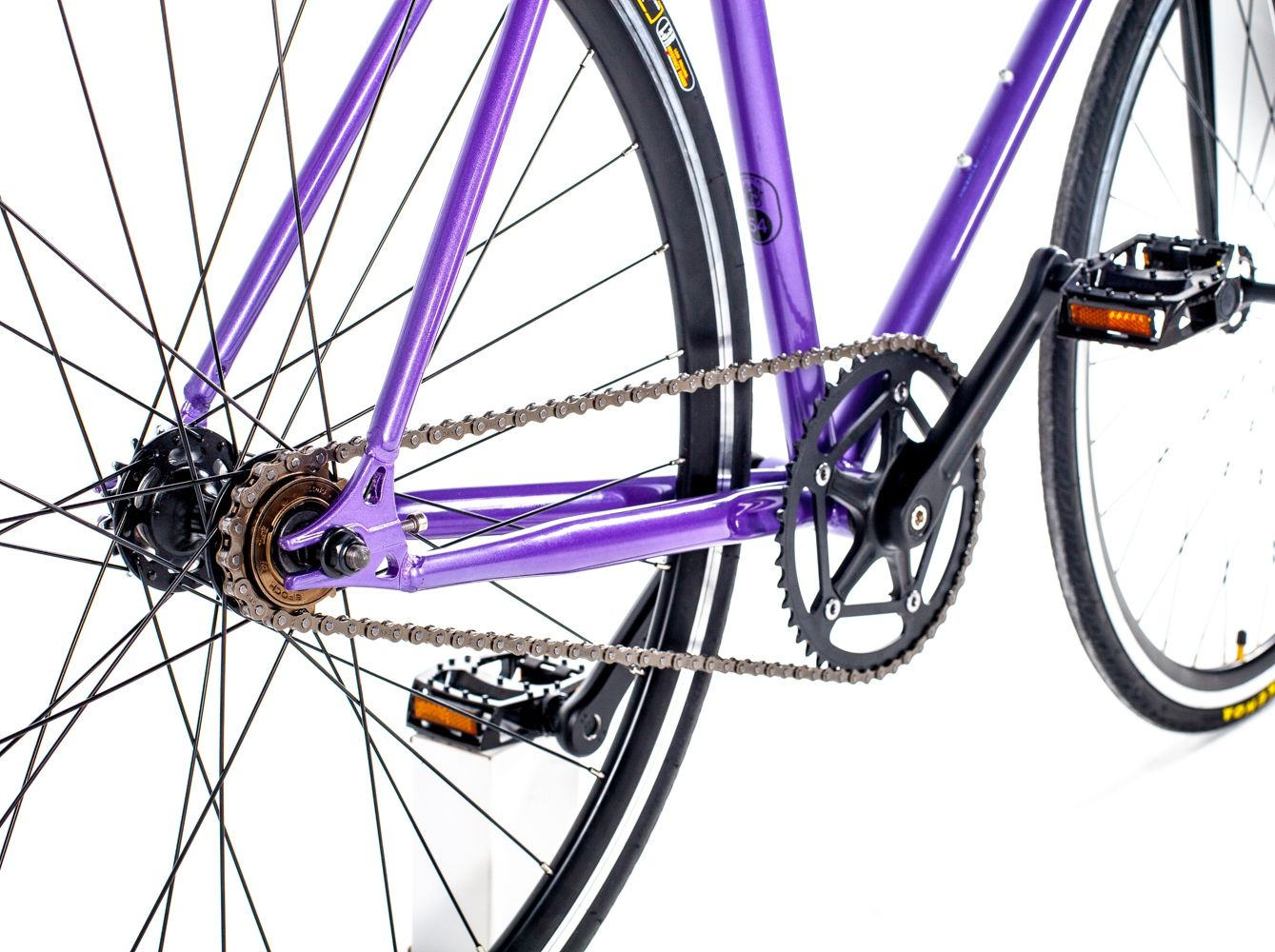 Fixed gear bike— велосипед для удовольствия с фиксированной передачей