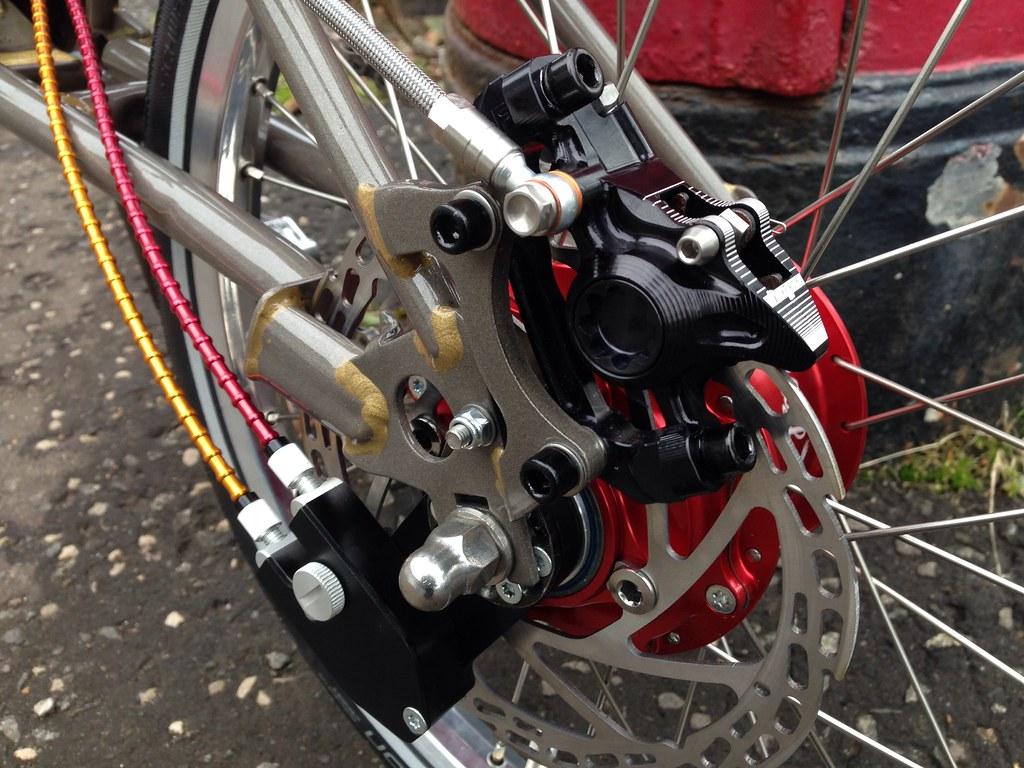Устройство тормозов на велосипеде: замедляемся со знанием дела