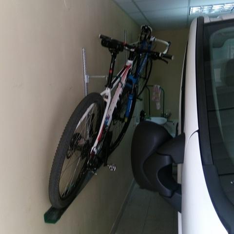 Как повесить велосипед на стену или потолок | советы хозяевам.рф