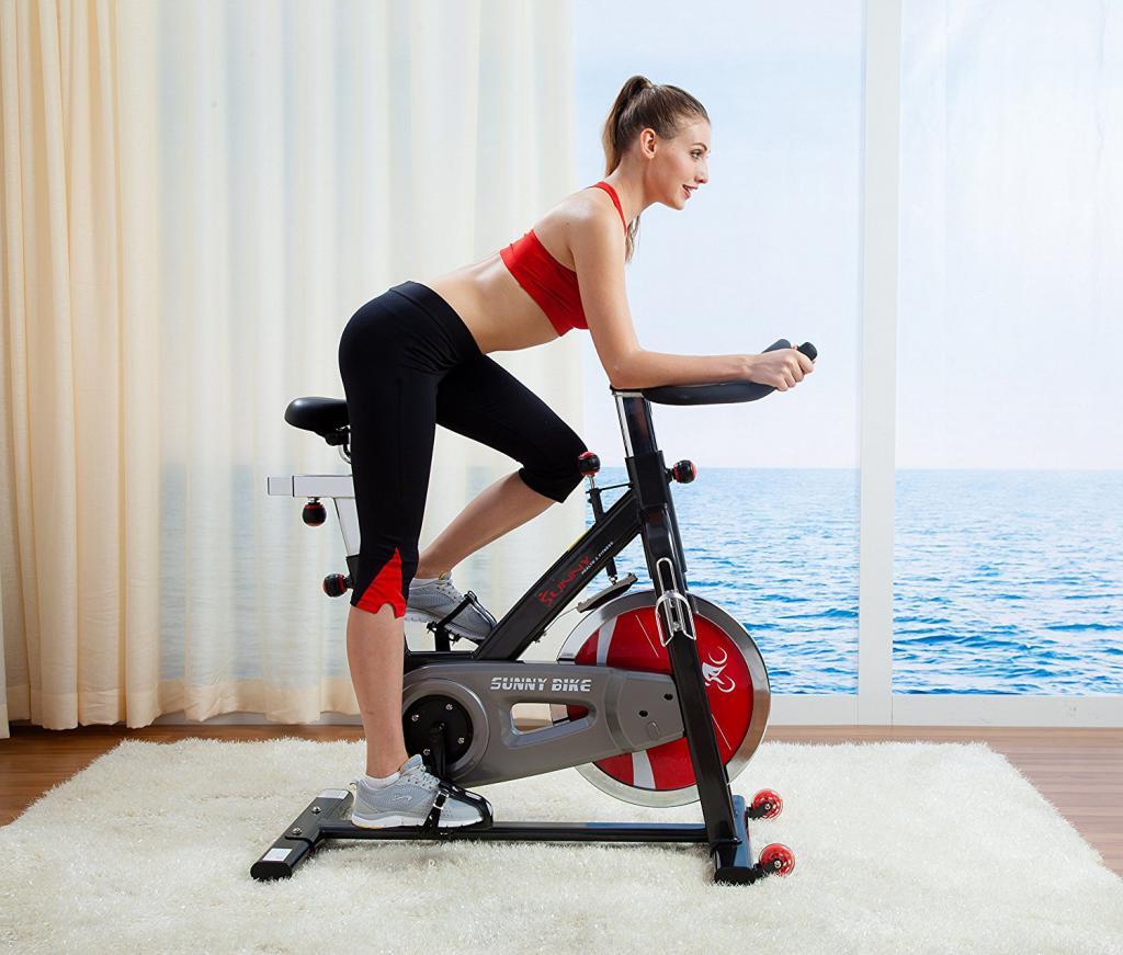 Показываем в картинках: какие мышцы работают на велотренажере и что качается при езде на нем