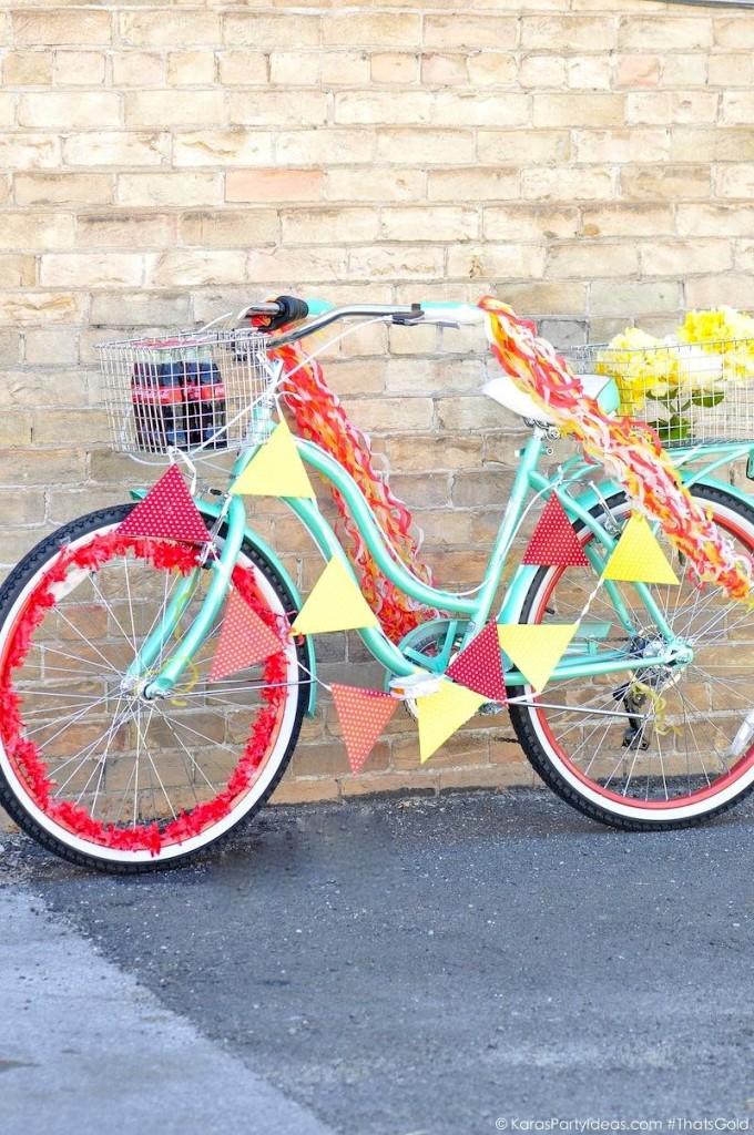 Идеи применения старого велосипеда в дизайне сада