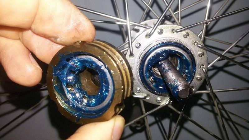 Устройство колеса для велосипеда, ремонт и обслуживание передней и задней втулки