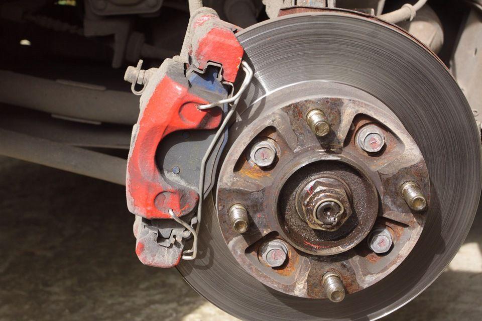 Типы тормозных колодок для дискового тормоза велосипеда и их особенности