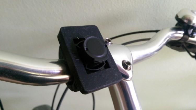Как прикрепить колонку на велосипед