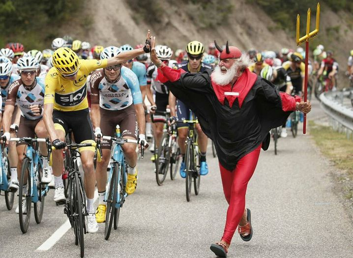 Триумф томаса, 9-е место закарина и рекорд сагана: чем завершилась 105-я велогонка «тур де франс»