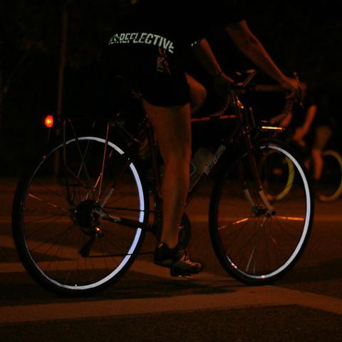 Светоотражатель на велосипеде