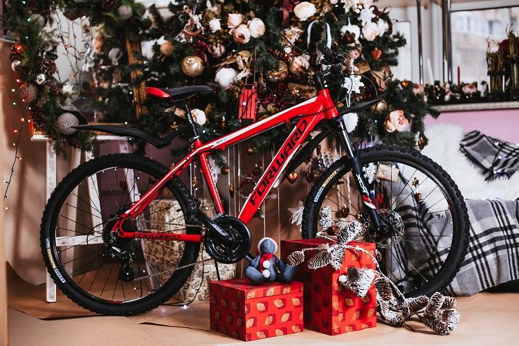 Что подарить велосипедисту на день рождения или просто так?