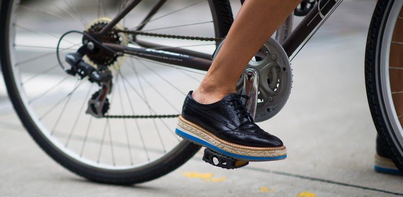 Почему скрепят тормоза на велосипеде