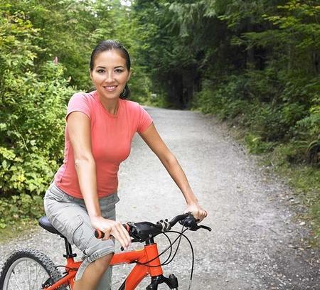 Похудеть с помощью езды на велосипеде - польза тренировок для женщин и мужчин