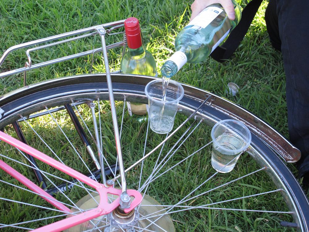 Как натянуть спицы на велосипеде. регулировка спиц на велосипеде: инструкция, нужные инструменты, виды деформаций