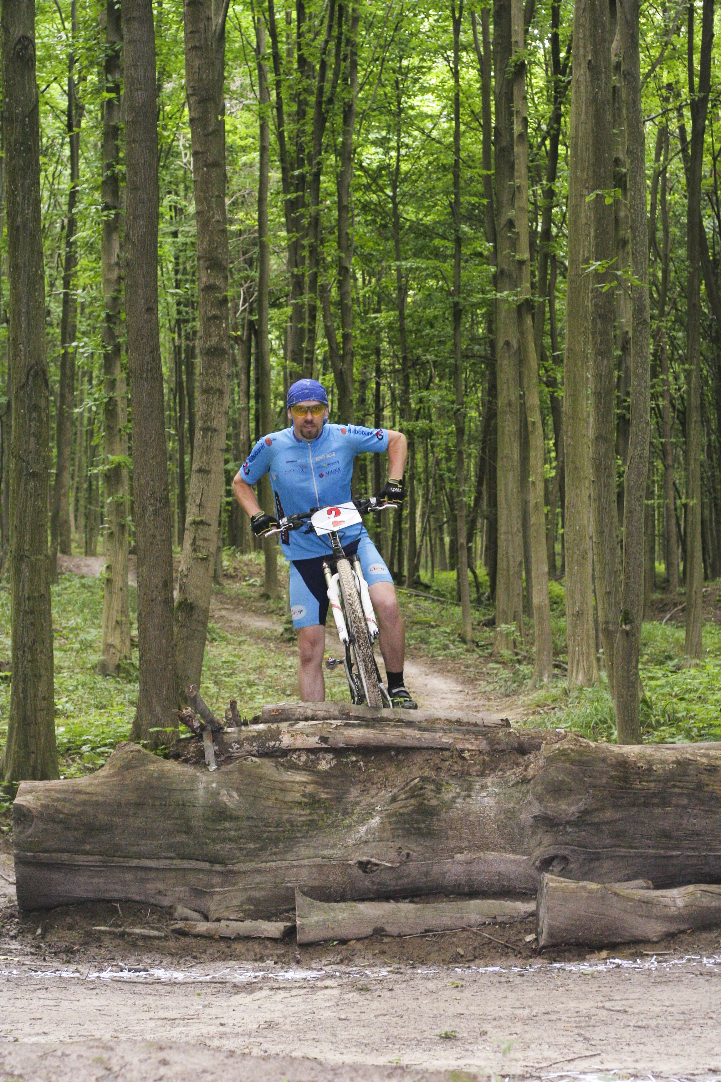 Чем отличается горный велосипед от кросс-кантри