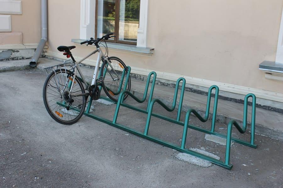 Парковка для велосипедов из поддона своими руками