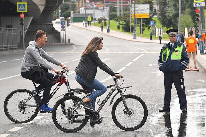 Может ли велосипедист ездить по проезжей части: правила пдд