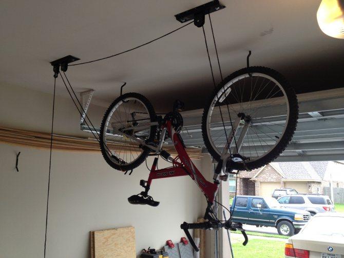 Хранение велосипеда зимой: можно ли хранить на балконе, в гараже и кладовке