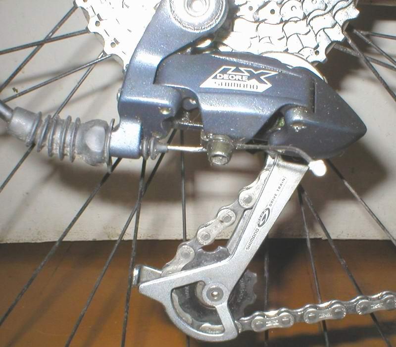 Устройство петуха для велосипеда, критерии выбора, порядок замены