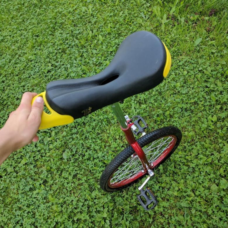 Велосипед с одним колесом: название, конструкция, разновидности