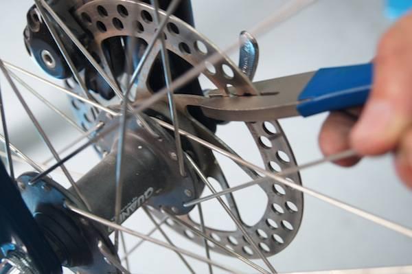 Задний тормоз на велосипеде, дисковый тормоз на колесе, устройство и регулировка - как настроить задний тормоз