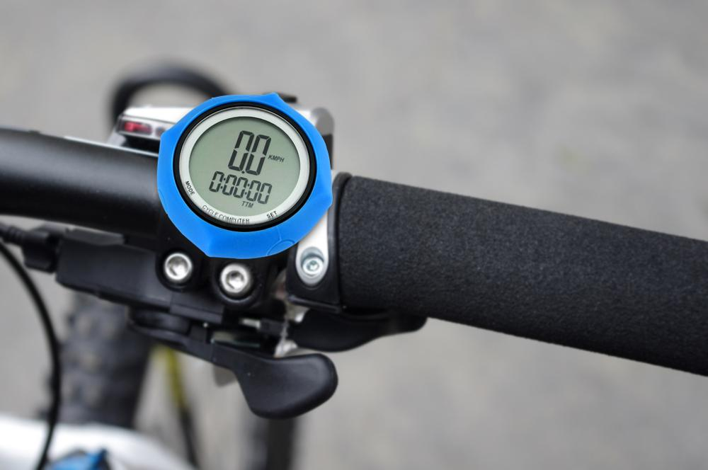 Как настроить велосипедный компьютер беспроводной. какие параметры отображает велокомпьютер