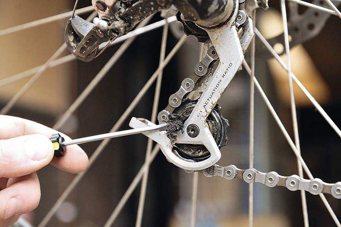 Проскакивает цепь на велосипеде при нагрузке, почему, как исправить