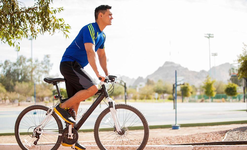 Как ездить в костюме на велосипеде в офис