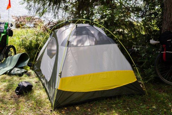 Как выбрать палатку для путешествий и кемпинга - главные правила и рекомендации