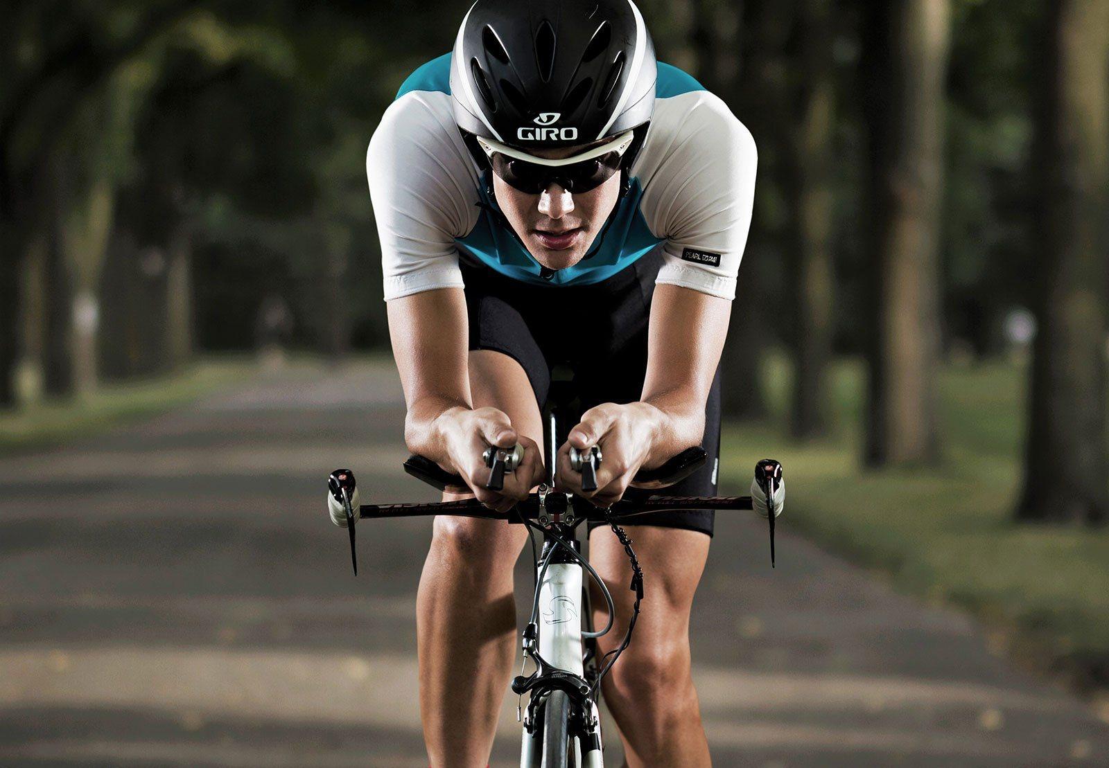 Какую максимальную скорость может развить велосипедист? (25 декабря 2008)