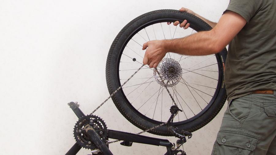Снятие и разбор трещотки колеса велосипеда