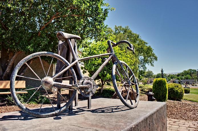 Старинный велосипед. история создания и развития велосипеда