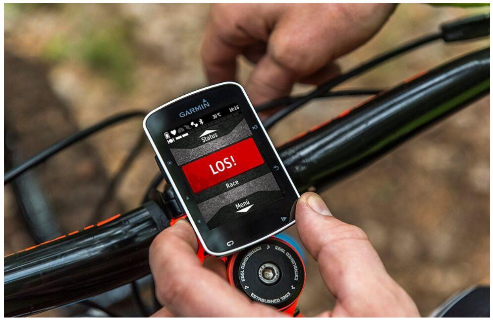 Что лучше использовать навигатор или смартфон с навигатором?