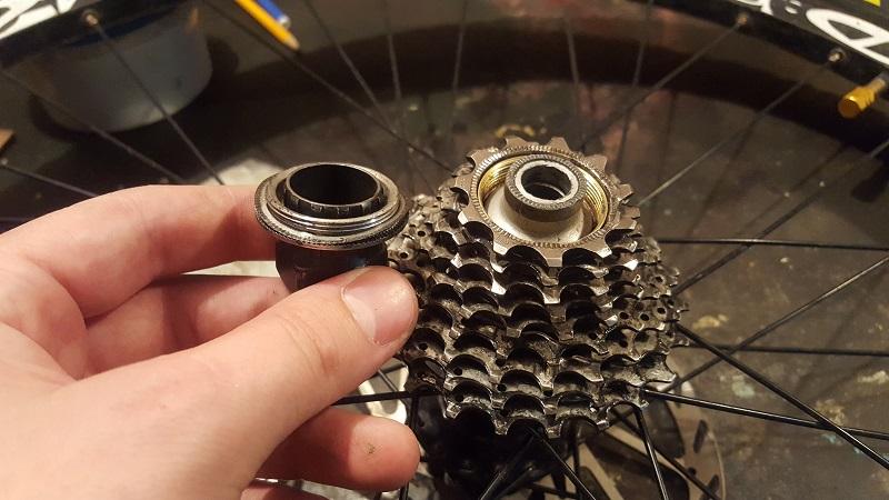 Пошаговое руководство по ремонту задней втулки велосипеда и ее сборке
