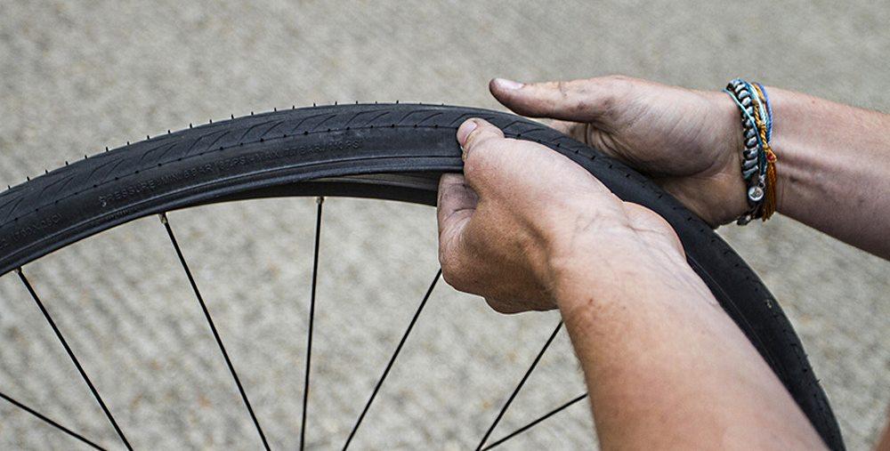 Как самому снять и заменить велосипедную покрышку?