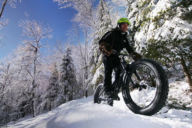 Фэтбайк — велосипед с широкими колесами для езды по снегу и бездорожью