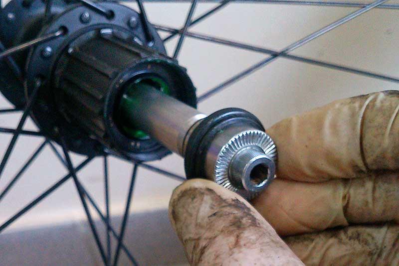 Как исправить люфт колеса на велосипеде