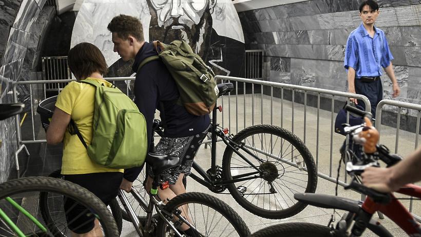 Можно ли в метро с велосипедом, нормы и запреты, безопасное размещение
