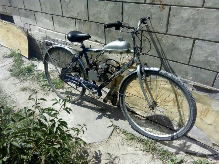 Велосипед с бензиновым мотором / бензиновый двигатель для велосипеда